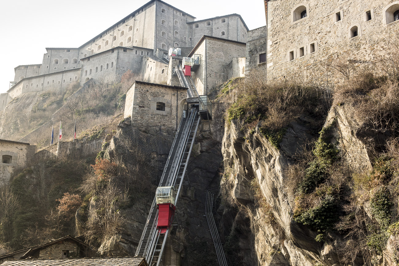 Inclined panoramic lifts & infrastructures for the Fort Bard, Aosta