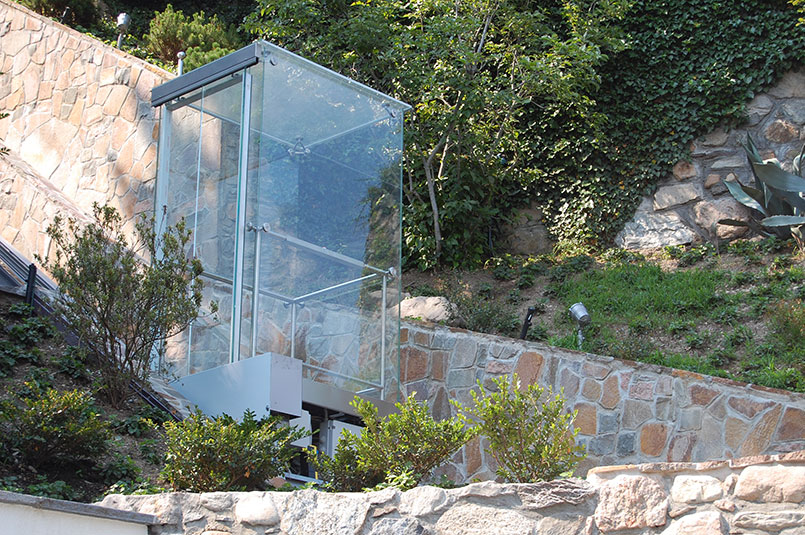 Luxury inclined lift in Lugano, private house