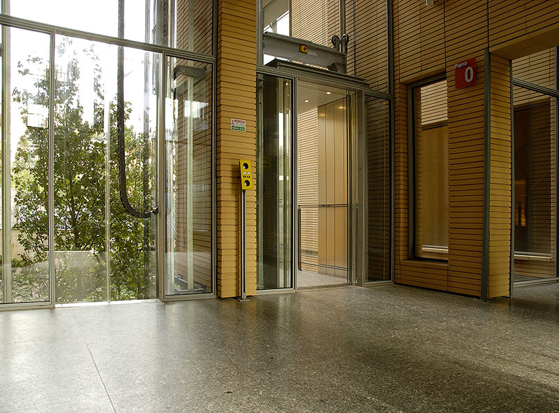 Il Sole 24 Ore Outdoor Panoramic Elevators in Milan