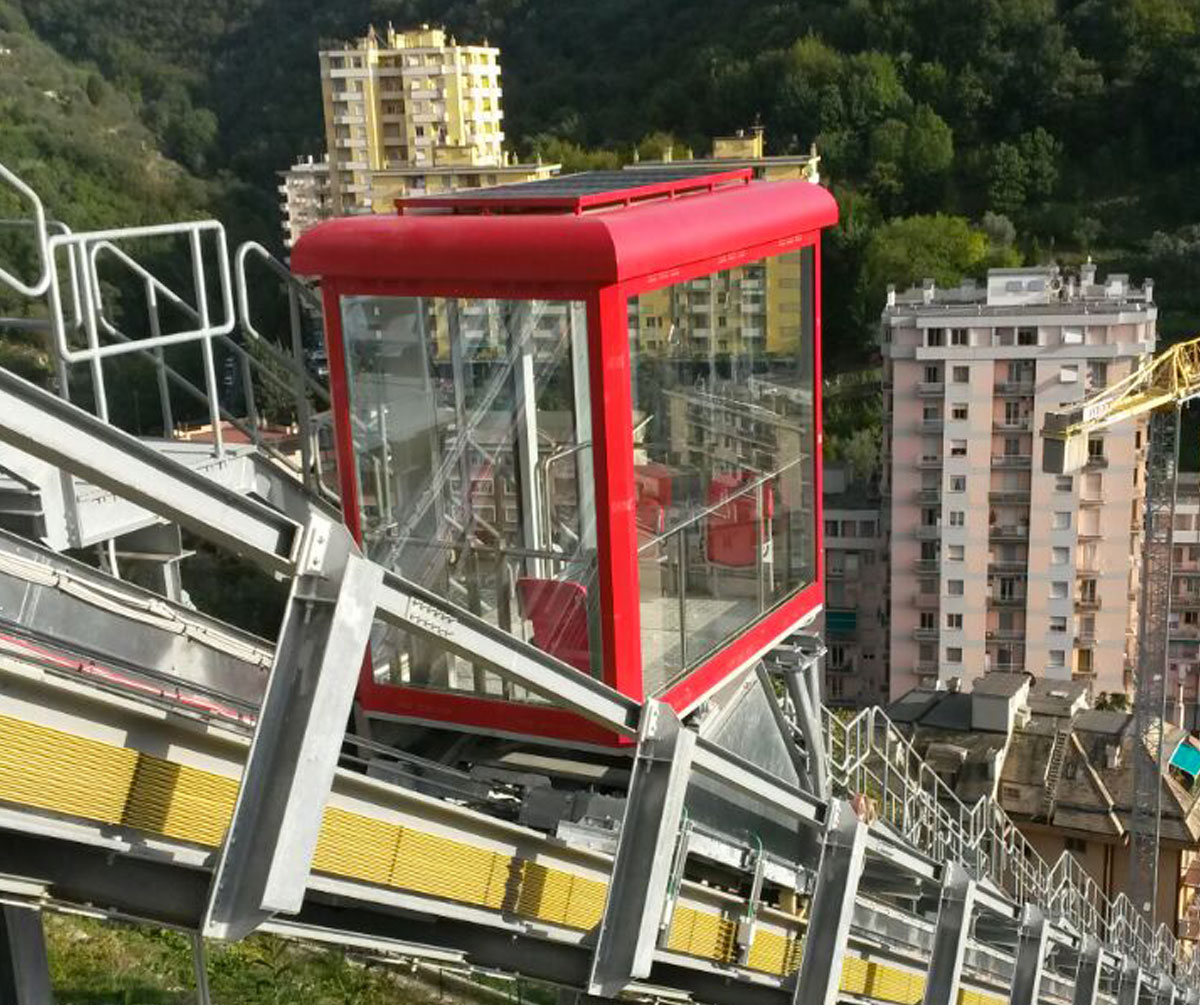 Inclined lift for the Quezzi District public transport in Genova