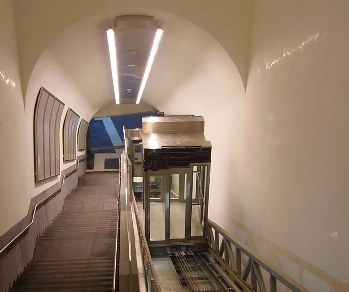 Inclined Lift for the Naples underground, in Italy