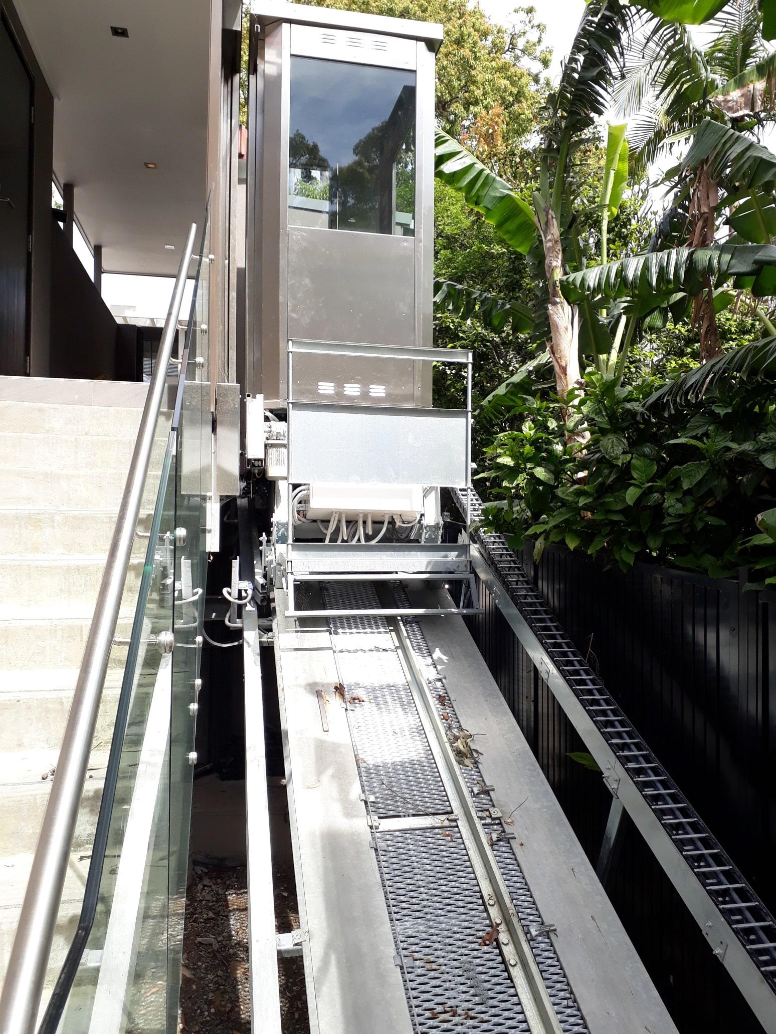Un ascensore inclinato per un VIP residence in Sydney, Australia