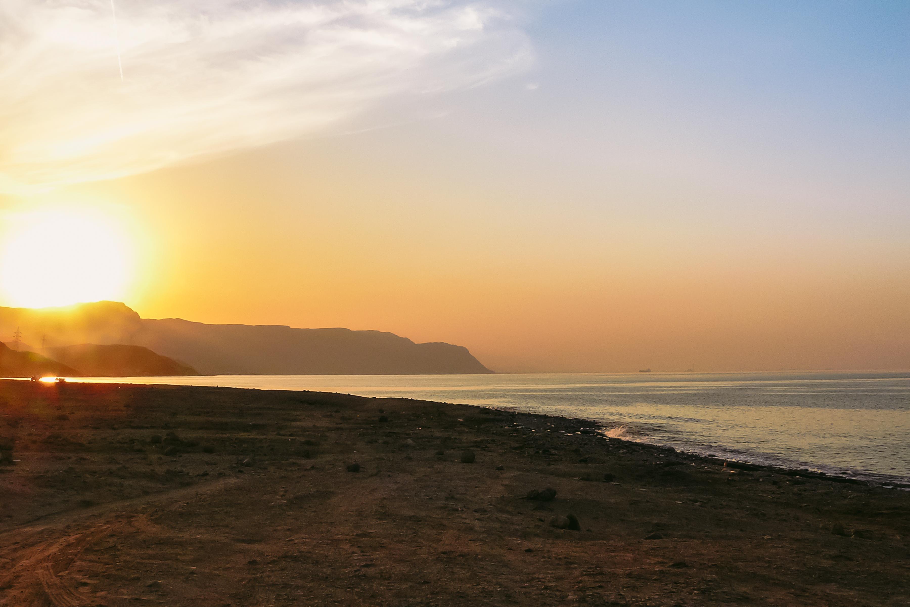 Dal Deserto al Mar Rosso con gli ascensori panoramici inclinati