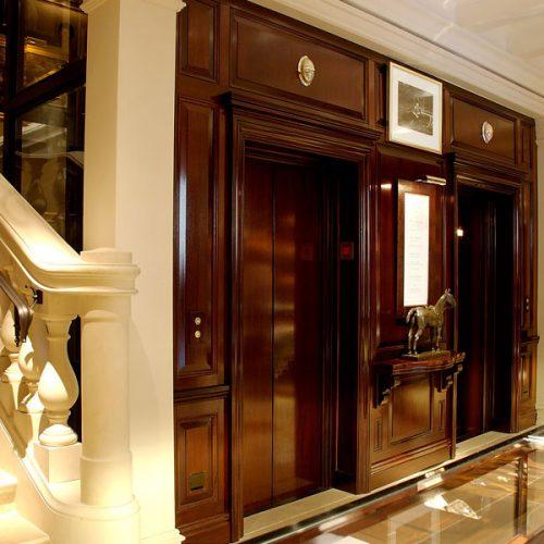 Boutique-Ralph-Lauren-Montenapoleone-ascensore