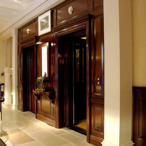 Boutique-Ralph-Lauren-Montenapoleone-ascensore-maspero